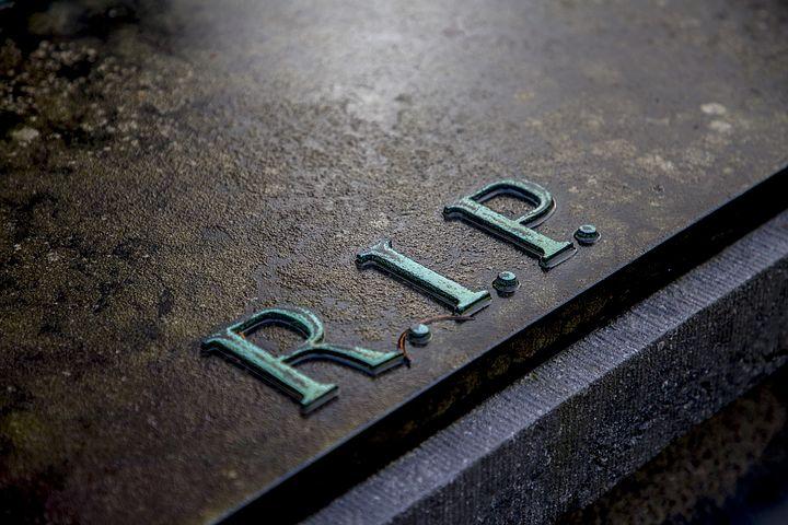 grave-2036220__480
